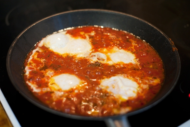 Eggs in tomato the awesome things i do for Assyrian cuisine